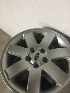 "Great condition Ford Five-hundred 17"" Rims"