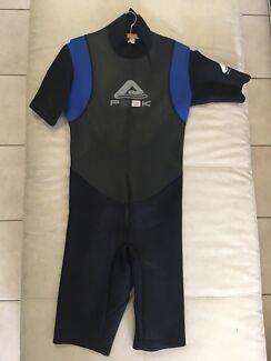 PEAK Flex Wetsuit Size MT 11/12 Youth GC