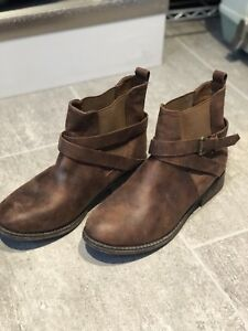 Chelsea boots, size 10