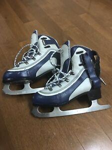 Girls'. Skates, size 6