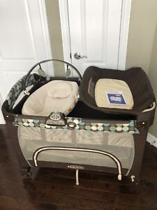 Graco Playard with bassinet and changer