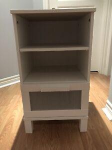 Table de chevet de marque IKEA blanche