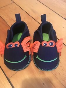 Newborn shoes and hats