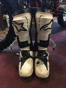 Alpinestar Tech 10 motocross boots