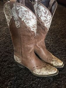 Lane cowgirl boots size 7