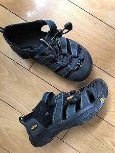 Youth Size 2 Keen sandals