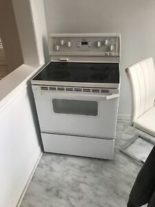 Glass top Range oven only 100 dollars