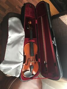 Eastman full size violin/fiddle