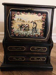 Vintage Jewelry box/ boîte à bijoux