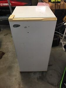 *faulty* Bar Freezer. Kuraby Brisbane South West Preview