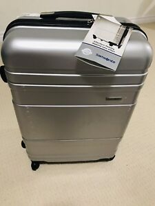 Luggages for sale....size M 24 inches