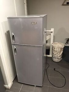 Free fridge Clifton Hill Yarra Area Preview