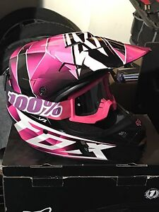 Ladies fox v1 helmet brand new with thor goggles