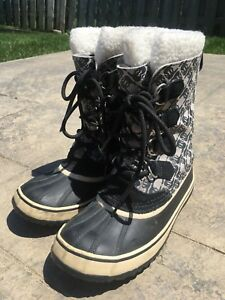 Sorel Women's Winter Boots - Size 7