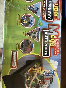 Kidcraft train table - excellent condition