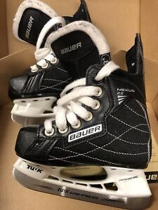 Children BAUER nexus 22 skates. Size 8