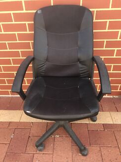 Free free free Office chair