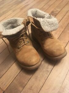 Timberland Teddy fleece boots size 6