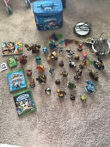 Skylander characters with CDs