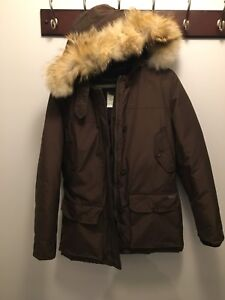 Women's Woolrich Winter Parka with real coyote fur Size S