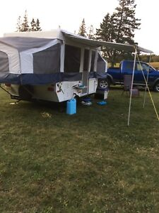 2011 Real Lite 10' tent trailer with bathroom!