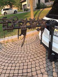 Thule 915XT rack for 5 bikes. Support Thule 915XT pour 5 vélos