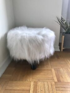Like New White Fuzzy Pouf/Footstool Perfect Condition