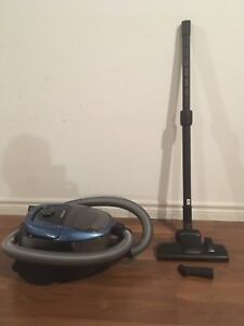 Samsung VC3100 Canister Vacuum