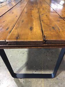 Table en bois de HAUTE qualité
