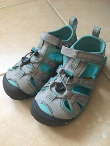 Keen sandals brand new in box toddler size 12