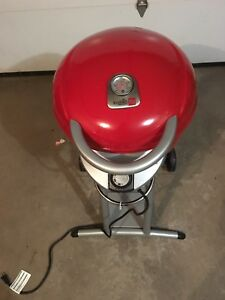New Electric BBQ (includes Cover)