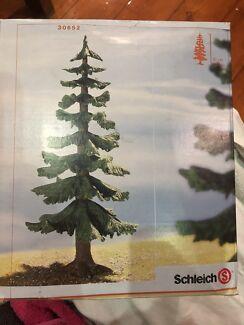 Schleich Large Fir Tree - 30652 New, unused. Still sealed in plastic