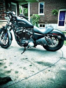 2014 Harley Iron with warranty till 2021