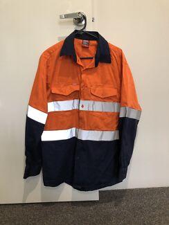 3 Men's Hi-Vis Work Shirts & Jumper