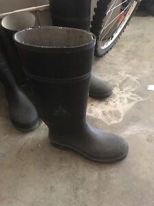 Men's rubber boots size 7-10