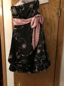 cocktail dress size smal brand new