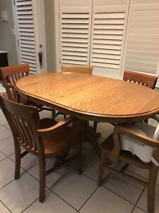 Solid wood kitchen table, 5 solid wood bankers style chairs