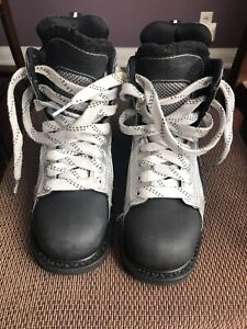Bari Rookie style Boot - boys size 6