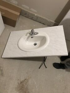 Single sink and laminate counter top