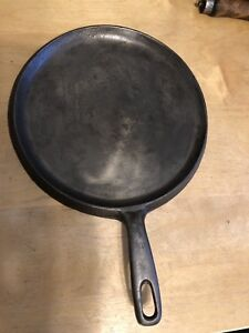 Unmarked Wagner Griddle Pan