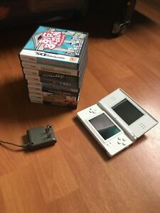 Selling Nintendo DS Lite (games sold separately!)