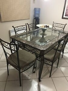 Kitchen set with 6 chairs plus console