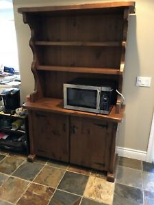 Solid Pine Buffet & Hutch. REDUCED