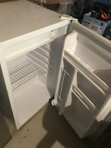 Small / Compact Fridge - REDUCED!