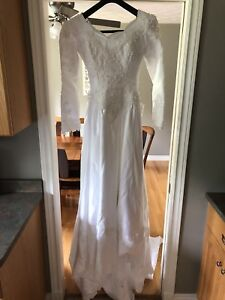 Wedding dress. Size 12 altered to a 6-8