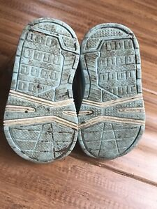 Size 3T George Shoes