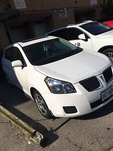 2009 Pontiac Vibe (comes with winter tires)