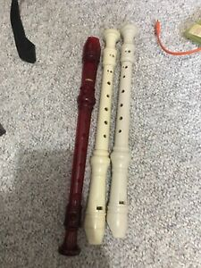 3 recorders (1 is a yahmaha)