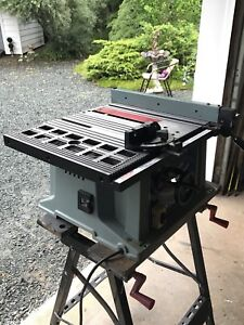 """10"""" DELTA Table Saw with Miter Guide & Rip Fence"""