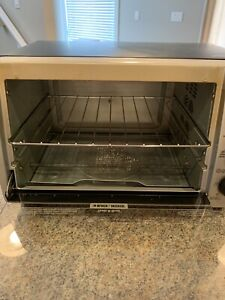 Black & Decker Convection Oven (LOOKING FOR A QUICK SALE!)